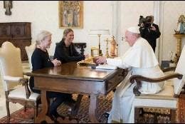 Audiencia del Papa con Kristine McDivitt Tompkins
