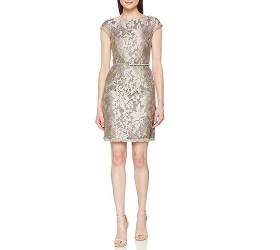 ddda88504 No pasarás desapercibida con este bonito vestido en color visón dorado. Con  escote a caja