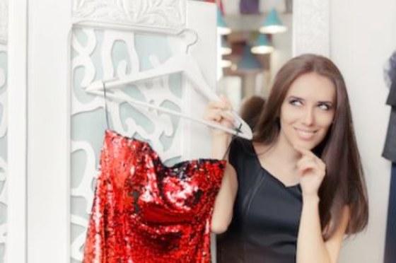 2c98d7711 Vestidos cortos de fiesta con descuento de hasta el 50%    Ocio y ...