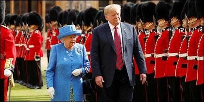 Trump e Isabel II