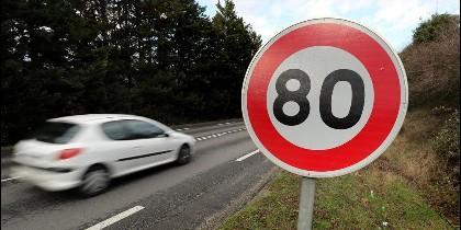 Trafico, coches, multa, velocidad, autovía y carretera.