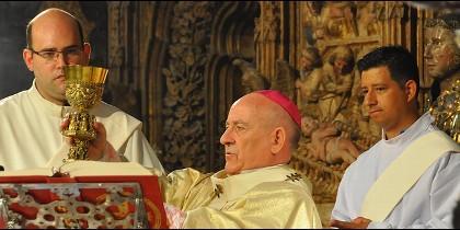 Jiménez Zamora lanza un mensaje renovador en el VII Centenario de la Archidiócesis