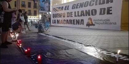 Protesta contra el mantenimiento de los restos del militar golpista en la Macarena