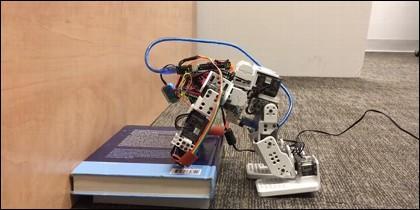 Así es el primer robot humanoide
