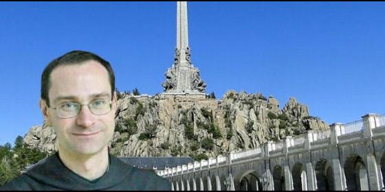 Santiago Cantera, en el Valle de los Caídos.