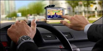 El navegador para viajar en coche: claves y 'trucos' del GPS.