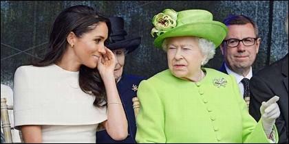 Meghan Markle con la Reina Isabel de Inglaterra.