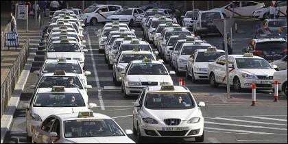 Taxis en el Aeropuerto de Barajas (MADID).