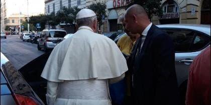 Francisco acudió en su Ford a Via Alessandria