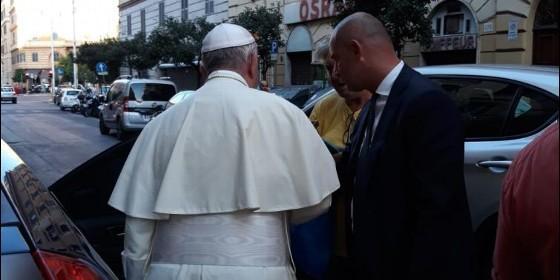 Exhorta el Papa Francisco a donar las sobras de comida