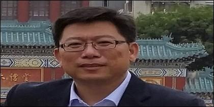 El escritor chino Liu Yongbiao.