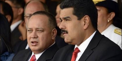 Los verdugos Diosdado Cabello y Nicolás Maduro.