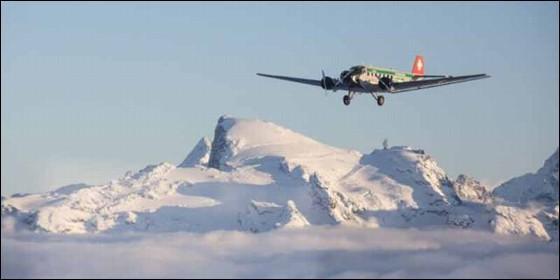 El avion Junkers JU52 HB-HOT sobre los Alpes antes de estrellarse. EP