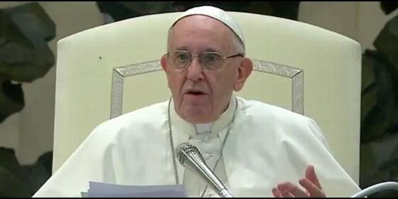 El Papa Francisco saluda a Sting en el Vaticano