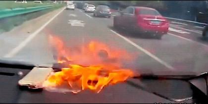 Iphone explota en un vehículo