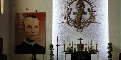 Tras ser torturado y encarcelado, murió decapitado en Berlín en 1943