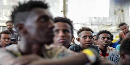 Inmigrantes africanos a bordo del 'Aquarius'.