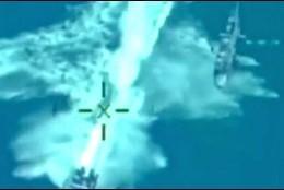 Helicóptero de la Armada persigue una lancha