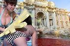 Pelea en la Fontana di Trevi