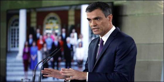 El presidente socialista Pedro Sánchez y los ministros de su Gobierno.