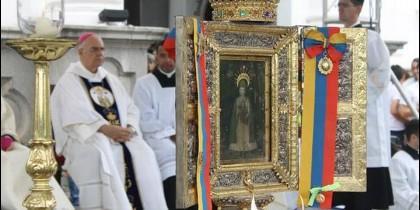 Moronta, detrás de un icono de la Virgen de Consolación