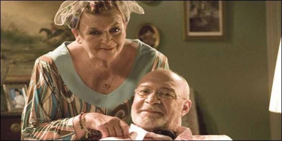 La actriz Marisa Porcel junto a su inseparable Pepe Ruiz. TV