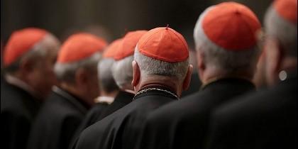 La Iglesia exige una limpieza de obispos y cardenales encubridores