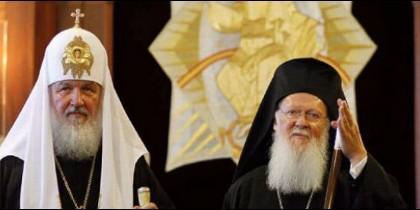 Tensa reunión entre el patriarca de Constantinopla y el de Moscú por Ucrania