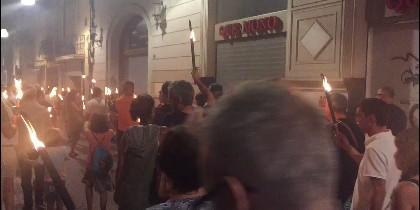 El desfile con antorchas de los indepes en Tarrasa
