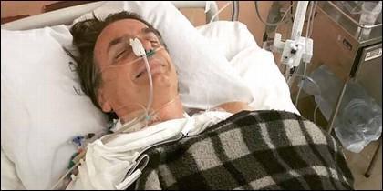 Jair Bolsonaro (Brasil) en el hospital, convaleciente de una cuchillada.