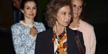 Doña Sofía, doña Letizia y la Infanta Elena, en una imagen de archivo.
