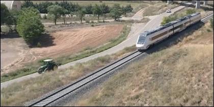 El tractor y el tren