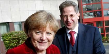 Angela Merkel y Hans-Georg Maassen.
