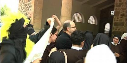 Escrache feminista al obispo Munilla en Eibar