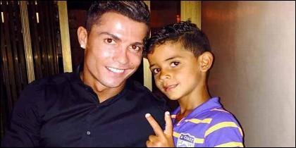 Cristiano Ronaldo y el pequeño Cristiano Jr.