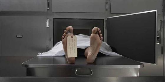 El 'muerto' despierta en la morgue y regresa a la fiesta donde había bebido hasta 'morir'  Morgue_560x280