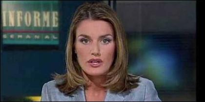La Reina Letizia cuando era reportera de TVE.
