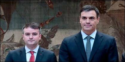 Así es Iván Redondo: el hombre que susurra al oído de Pedro Sánchez.