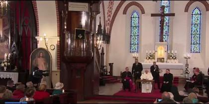 El Papa, en la vcatedral católica de Riga