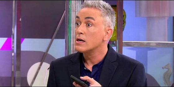 Kiko Hernández al cogerle el teléfono Isabel Pantoha (Telecinco)