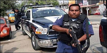 La corrupta policia municipal de Acapulco.