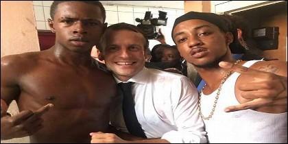 El presidente Macron con dos 'amiguetes' en San Martín.