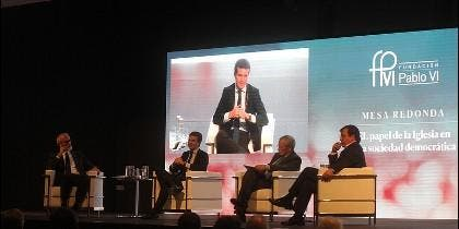 Fernández Vara, al líder del PP: 'La Iglesia no pastorea a los fieles, la Iglesia son los fieles'