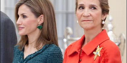 Doña Letizia y la infanta Elena.