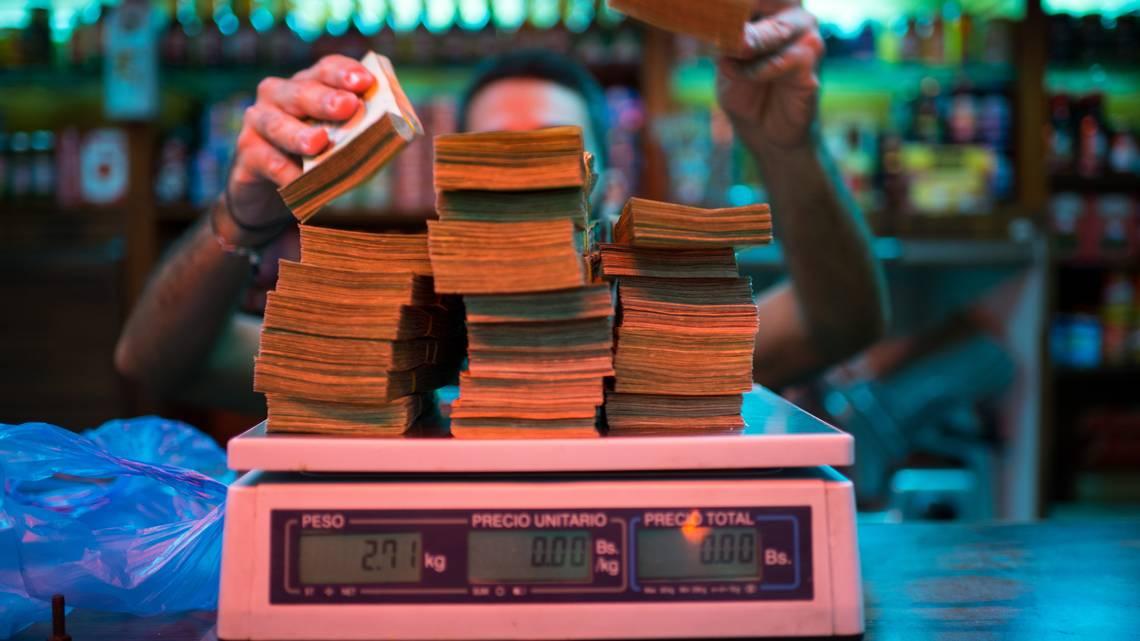 Inflación anualizada en Venezuela trepó a 342.161%, según el Parlamento