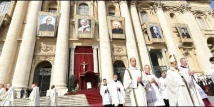 Ante 150.000 personas, Francisco preside una de las celebraciones más relevantes de su pontificado