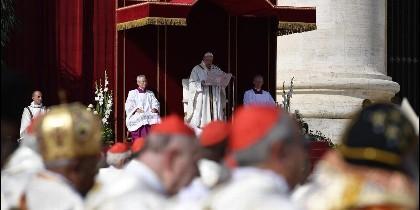 El Papa agradece la presencia de la Reina Sofía y del arzobispo de Canterbury