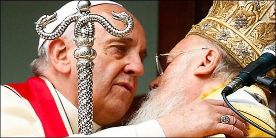 Mundo: La Iglesia Ortodoxa rusa rompió relaciones con el patriarcado de Constantinopla