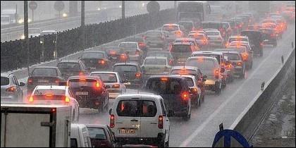 Lluvia en la carretera