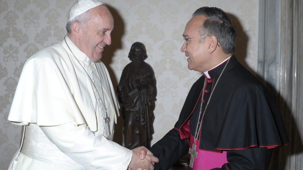 Arzobispo Edgar Peña asume uno de los cargos más importantes del Vaticano
